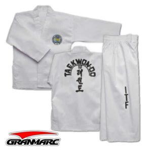 Traje taekwondo
